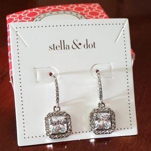 NWT Stella & Dot Deco Drop Earrings